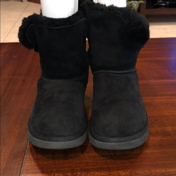 b077329f5fa UGG Australia BAILEY BUTTON Boots S/N 5803 Women